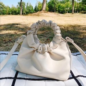 ☁️ Double Circle Cream Handbag ☁️